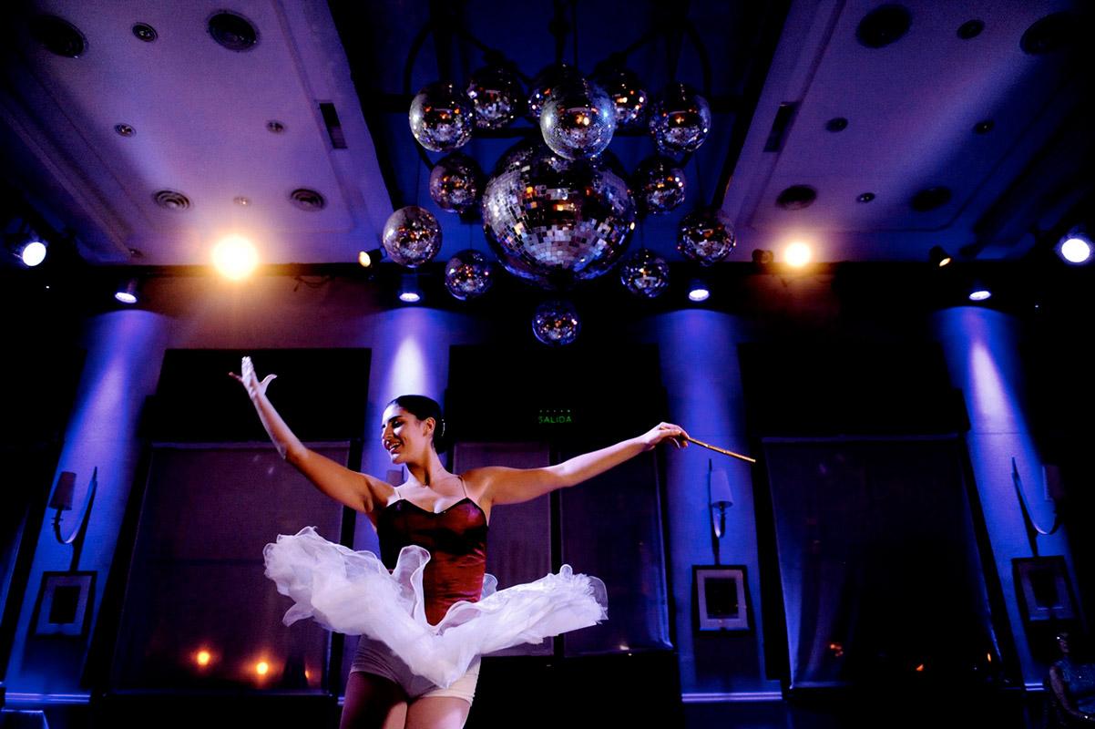 Retrato bailarina en su fiesta de quince por Tao's Foto y Video
