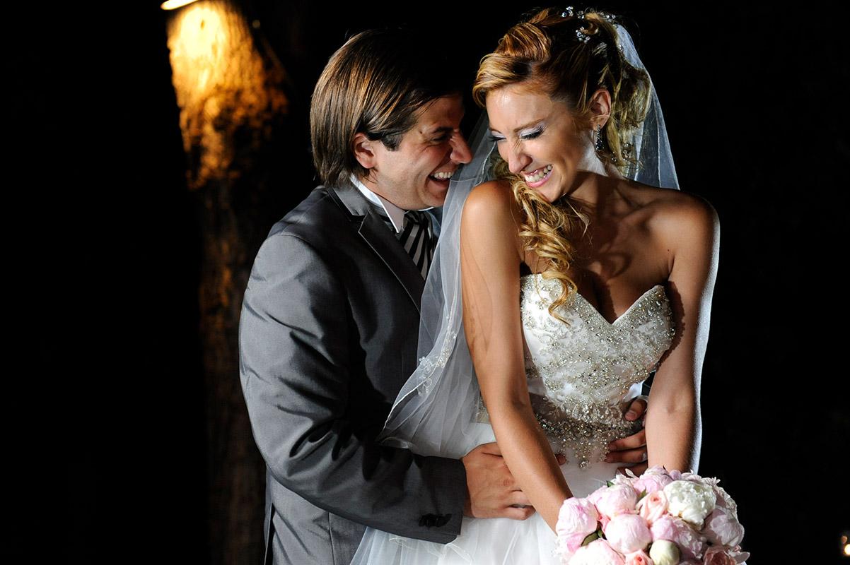 Retrato de los novios en su noche de bodas por Tao's Foto y Video